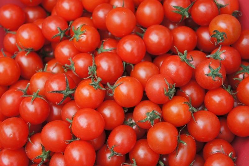 Мал, да удал: 6 преимуществ томатов черри, которые мало кому известны