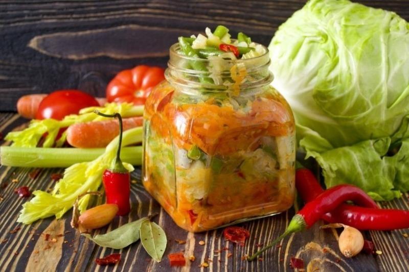 Без грамма сахара: 5 самых разных овощных салатов на зиму
